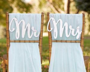 djmi-lettere-oversize-mr-mrs-sig-lui-lei-sedie-matrimonio-originali-originale-idee-grandi-Idee-5-originali-per-decorare-il-Matrimonio-fai-da-te