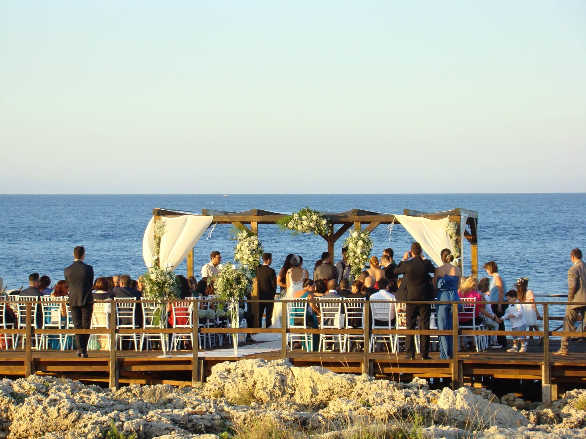 matrimonio-scogliera-sicilia-catania-animazione-service-il-matrimonio-all-aperto