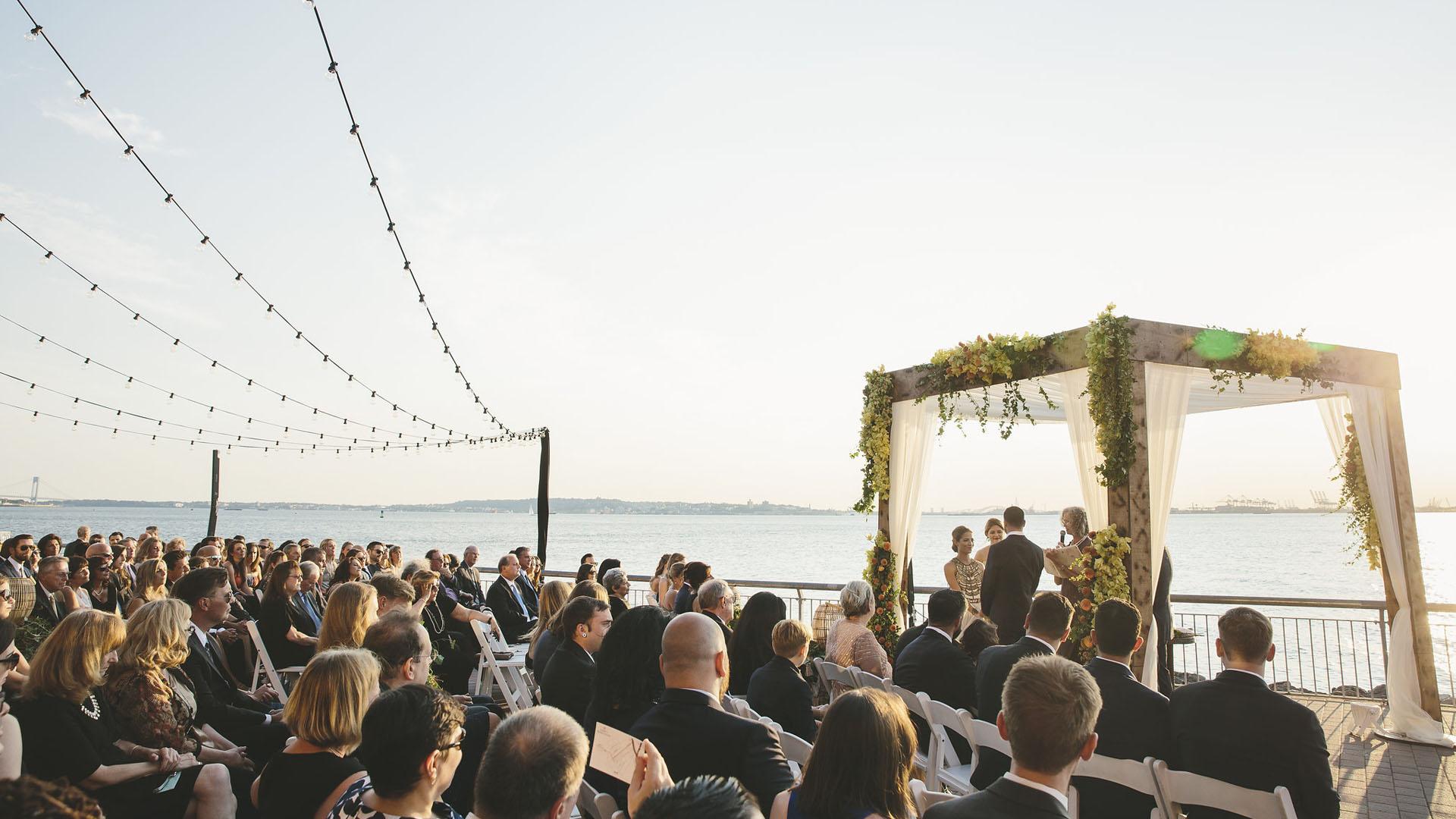 sposi-sul-mare-seduta-circolare-matrimonio-in-sicilia-lo-voglio-al-mio-matrimonio