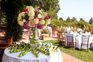 decori-matrimonio-frutta-aperto-esterno-originali-wedding-fiori-colorati-colorato.sicilia-cataniaIdee-originali-per-decorare-il-Matrimonio-fai-da-te